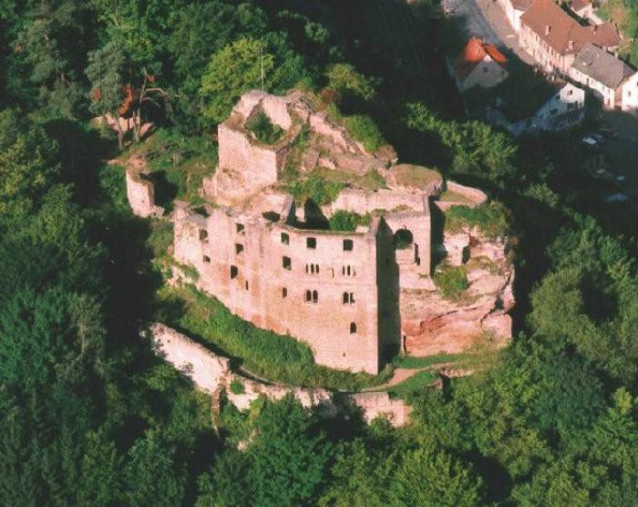 1 .. Burg Frankenstein