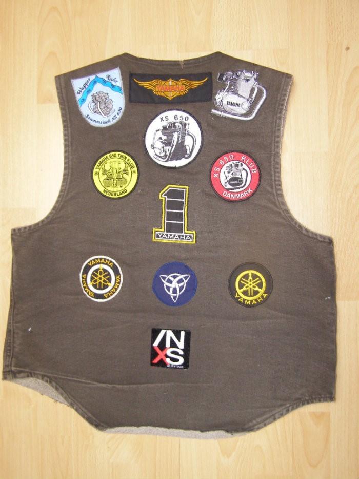 14 .. vest – rear