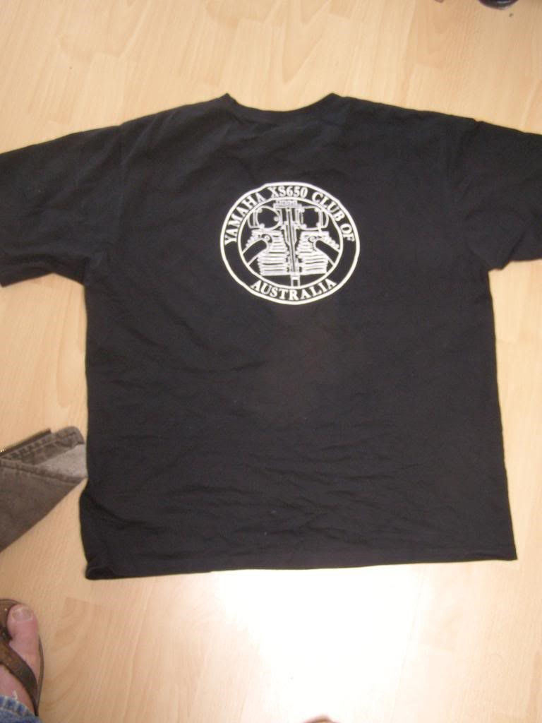2 .. club t-shirt rear logo