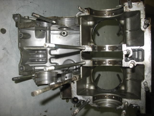 20 .. transverse gallery feeds crank mains and has a jet each side to spray oil onto the big ends ... also see the holes to feed the transmission, shift fork and drive shafts