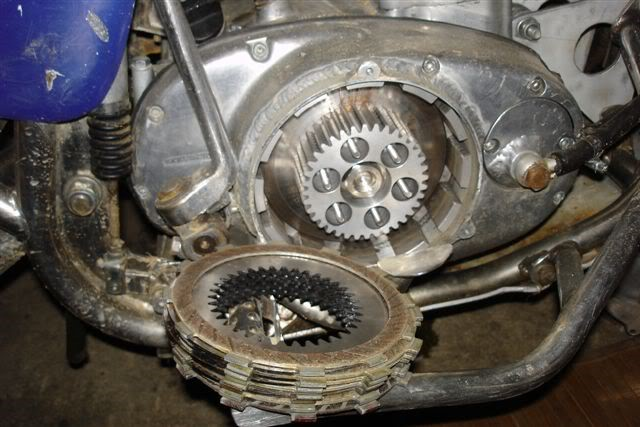 3 .. fits inside the XS650 clutch case ... hub and basket here