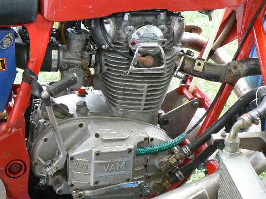4 .. motor, VAM fitted ... mounted in sidecrosser ... with rh shift, pull clutch and remote cooler
