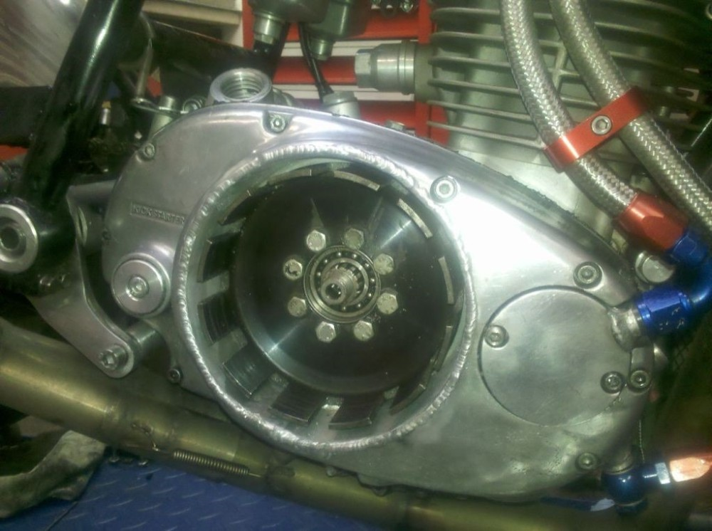 Rene 6 .. and welded into case ... adapter and ducati dry clutch fitted