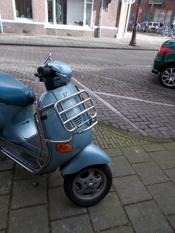 11 .. vespa carrier